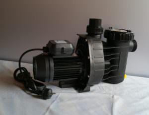 Aqua Plus 8 mit 8m³/h Anschlüsse: d 50 mm oder 32/38 mm