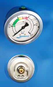 Behncke Filterkessel Manometer gelgefüllt in Edelstahlausführung mit Abgang hinten ⅛ AG
