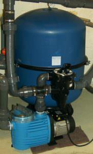 zweiteiliger Filterkessel aus Polypropylen Ø 600 mm, mit Pumpe Bettar 12