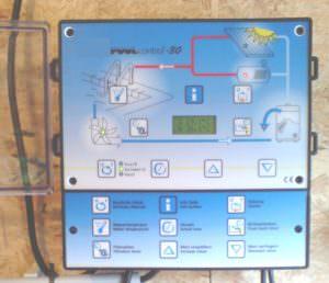 """<strong><span style=""""color: #000080;"""">Zur Verwendung mit Solarabsorbern über die Temperaturdifferenzmessung. Temperaturfühler messen die Differenz zwischen Solarabsorber- und Beckenwassertemperartur. 2Wege- oder 3Wegekugelventile können angesteuert werden.</span></strong>"""