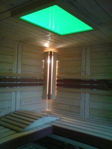 Sauna Komfort Wandleuchte mit RGB Deckenfarbleuchte