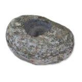 Saunaduftstein mit einer Bohrung naturgeformt (Abweichung in Form und Farbe sind möglich). Zur Aufnahme von ca. 60 – 120 ml