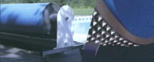 Thermo Schaumabdeckung leicht in Handhabung mit sehr guter Wärmedämmung. Auf der Aufrollvorrichtung montiert.