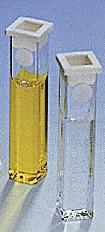 Rechteckküvette 10 ml aus Glas od. Kunststoff, 13,5 mm Schichttiefe