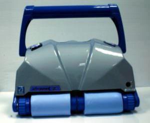 Ultramax Junior, Unterwasserreiniger für öffentliche Bäder